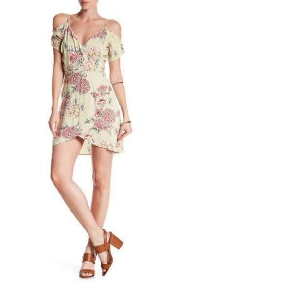 c412231de77c5e Angie Women s Green Cold Shoulder Wrap Dress